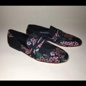 NBW Zara Floral Embroidered Loafer!